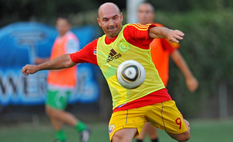 Naţionala jucătorilor fără contract, cantonament la Snagov. Vlădoiu şi Belodedici, antrenori