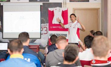 Academia George Ogăraru organizează curs de perfecționare pentru antrenori la Ajax