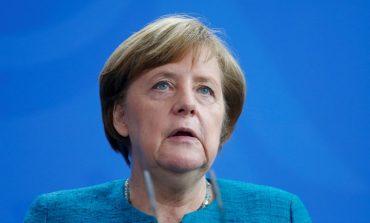 "Angela Merkel: ""Noile sume de transfer din fotbal sunt de neînțeles!"""