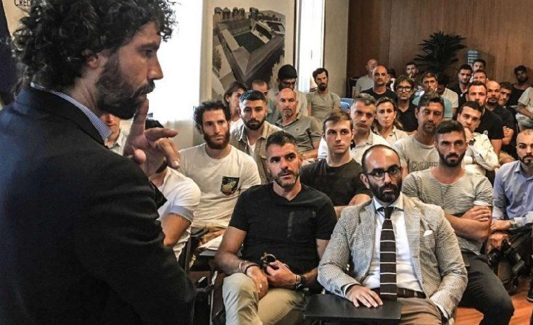 """Curs de formare în Italia: """"De la fotbaliști la antreprenori"""""""