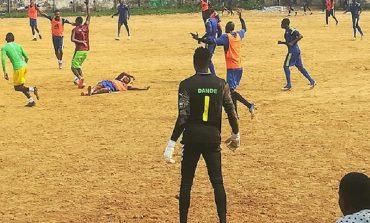 Camerun: 9 cluburi nu au mai plătit salariile de peste un sezon