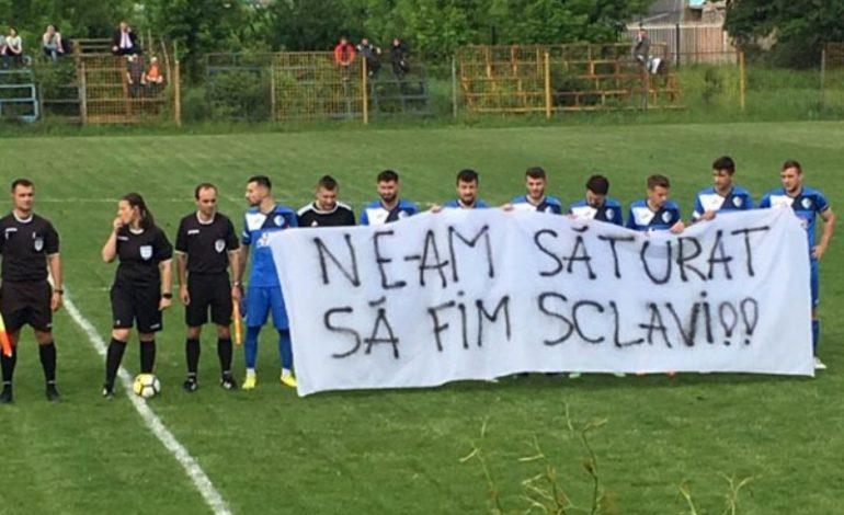 Fotbaliștii de la ASCO Filiași au protestat pentru restanțele salariale
