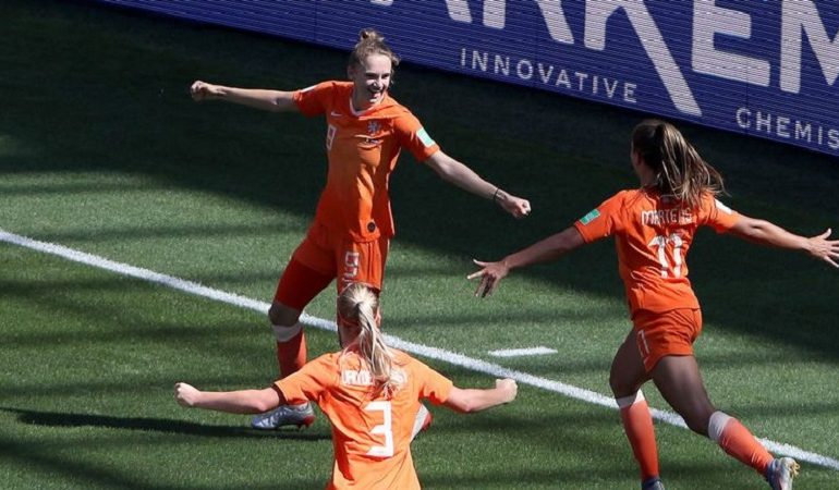 UEFA mărește suma acordată federațiilor naționale pentru dezvoltarea fotbalului la feminin
