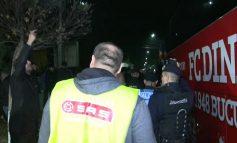 Fotbaliștii lui Dinamo se antrenează sub paza poliției!