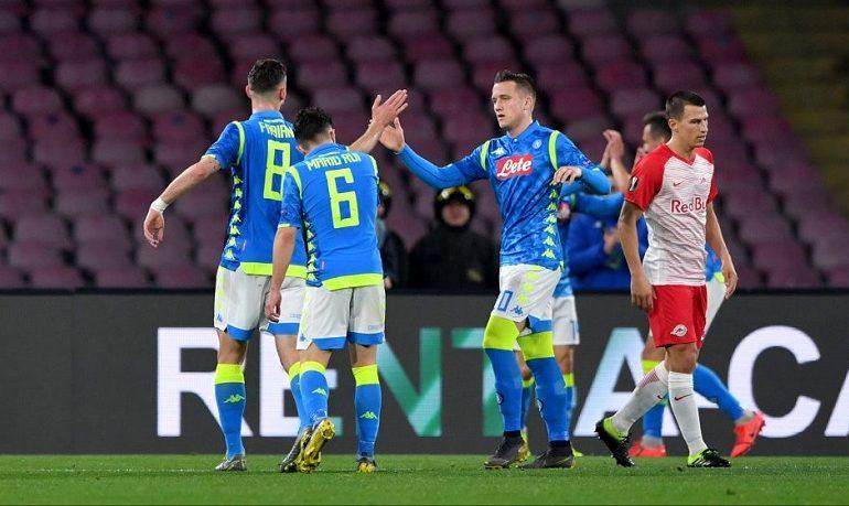 Jucătorii lui Napoli, sancționați cu un sfert din salariul pe o lună